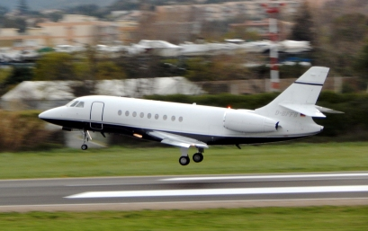 Falcon 2000 taking off